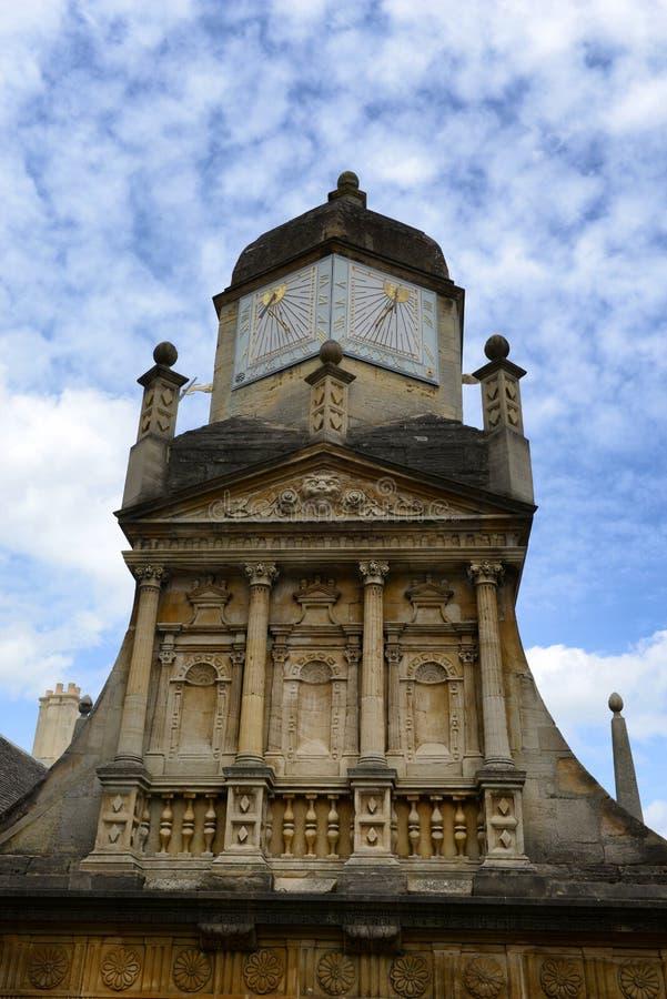 Короля Коллеж Солнце Шкала, университет Кембриджа стоковые фотографии rf