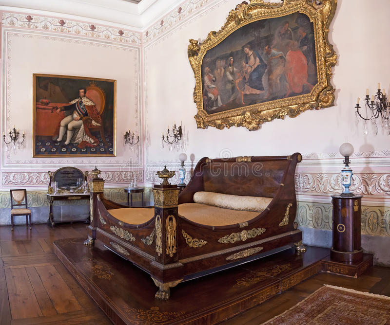 Короля Спальня. Неоклассическая мебель. Дворец Mafra стоковая фотография