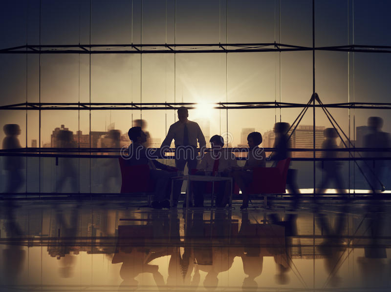 Корпоративной встречи связи бизнесмены концепции офиса стоковое фото rf