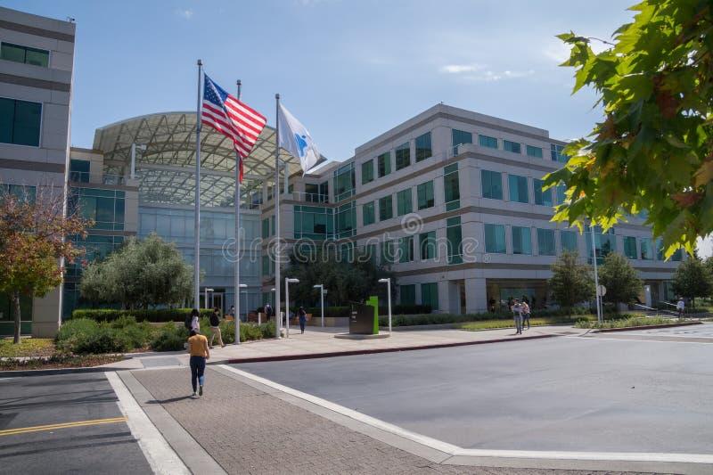 Корпоративные штабы Яблока, Cupertino, Калифорнии стоковая фотография rf