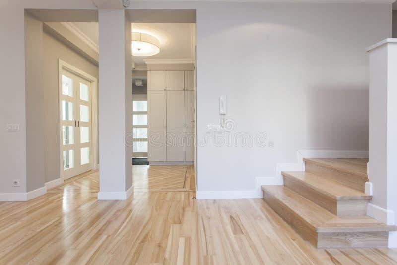 Корридор, вход, лестница стоковые изображения rf