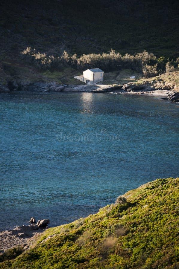 Корсика, пляж, Средиземное море, среднеземноморские maquis, ослабляет, секретное место стоковая фотография