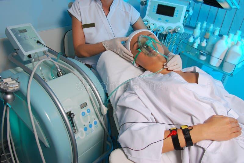 косметическая медицинская процедура стоковое фото