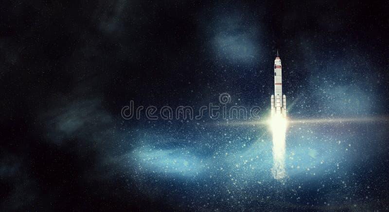 Космический корабль Ракеты Мультимедиа стоковые изображения rf
