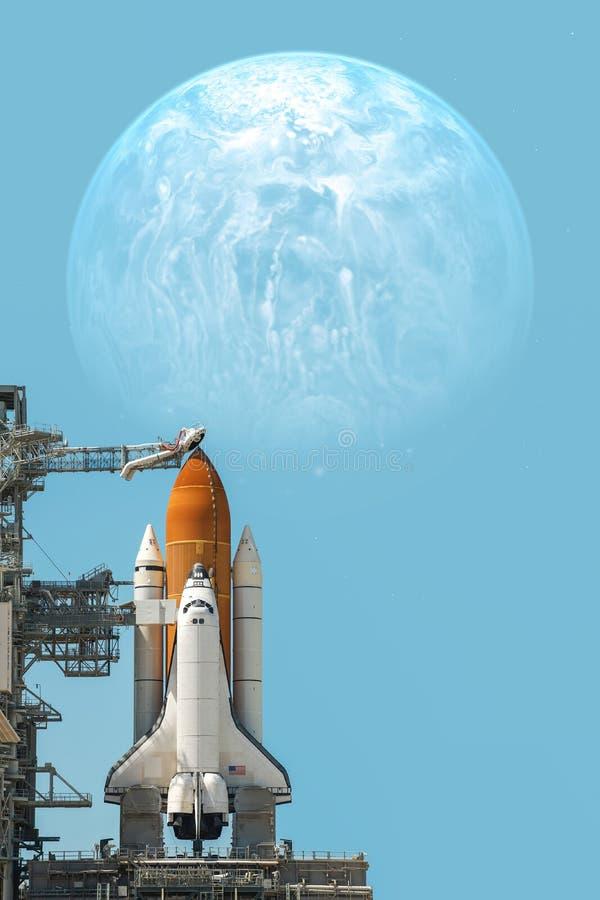 Космический летательный аппарат многоразового использования принимая на полет стоковые изображения rf