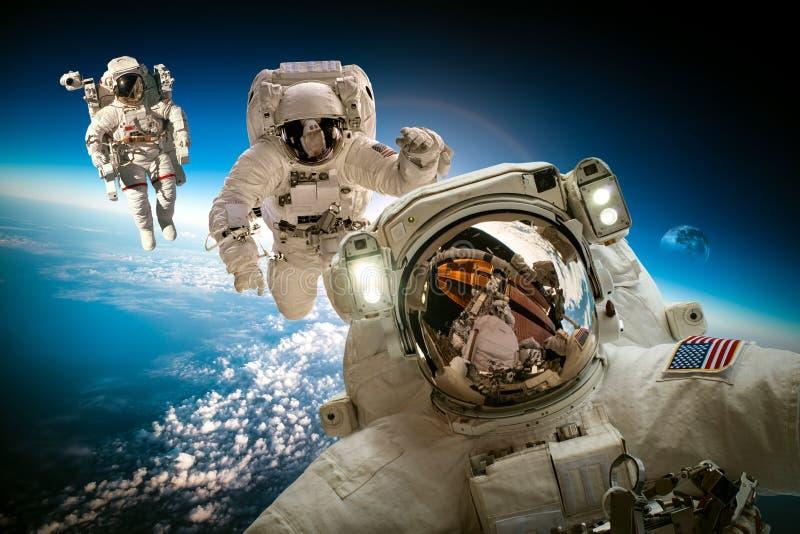 космическое пространство астронавта стоковое изображение rf