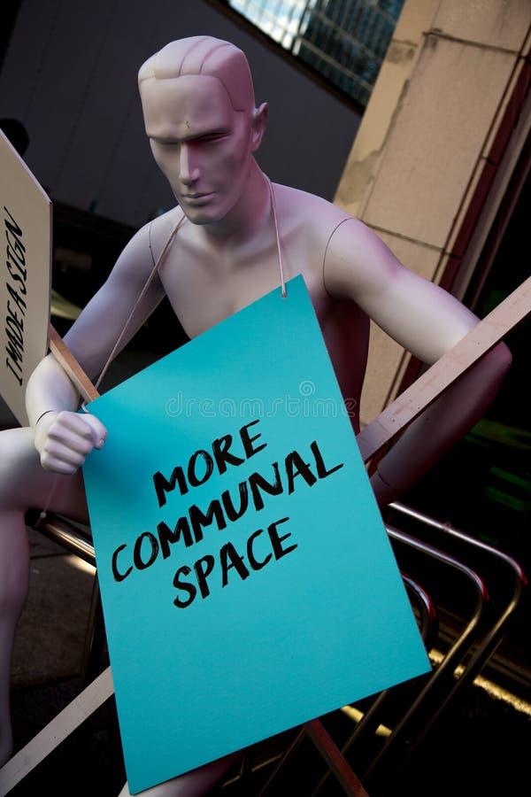 Космос плаката протеста Minikin мужской более общинный стоковое изображение rf