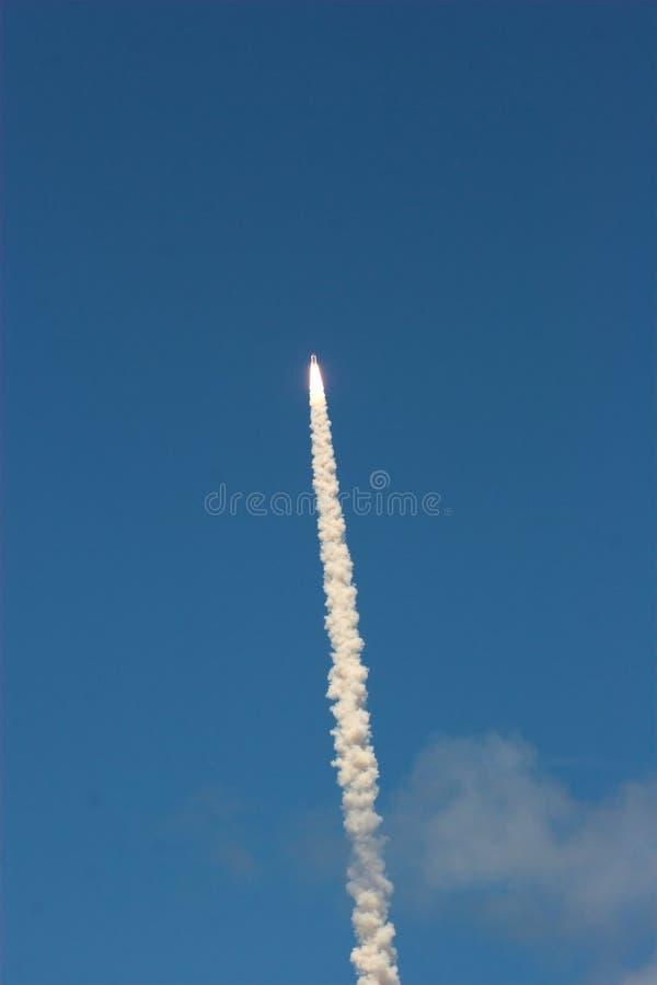 космос челнока старта стоковое изображение rf