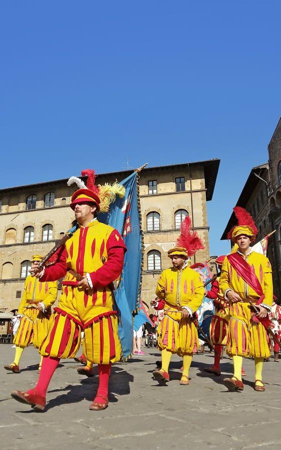 Костюмы человеков эпохи возрождения Флоренса стоковое фото rf