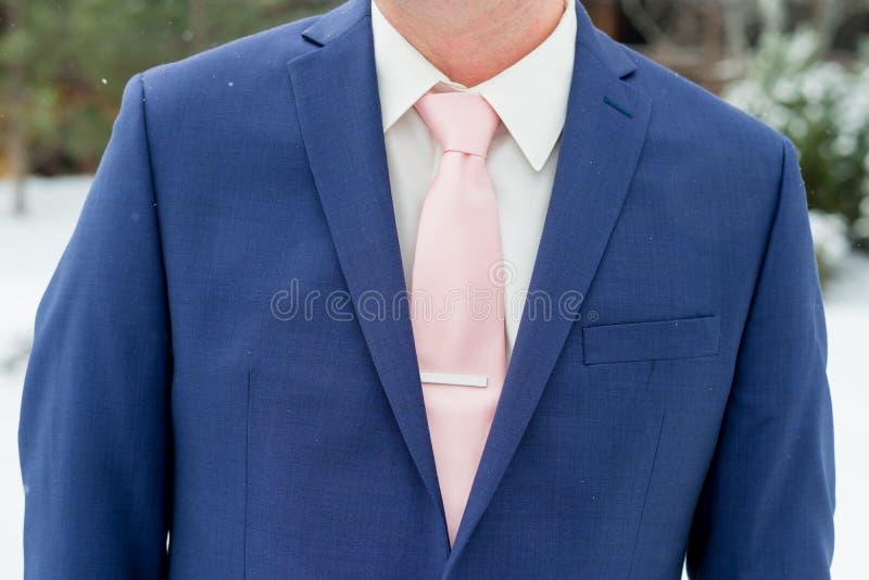 Костюм пригонки голубого Groom тонкий стоковые фотографии rf