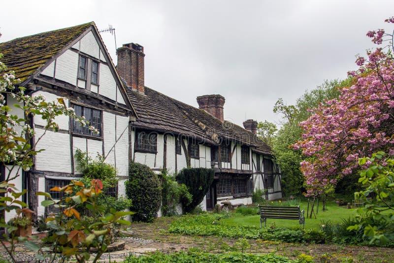 Коттеджи Tudor стоковые фото