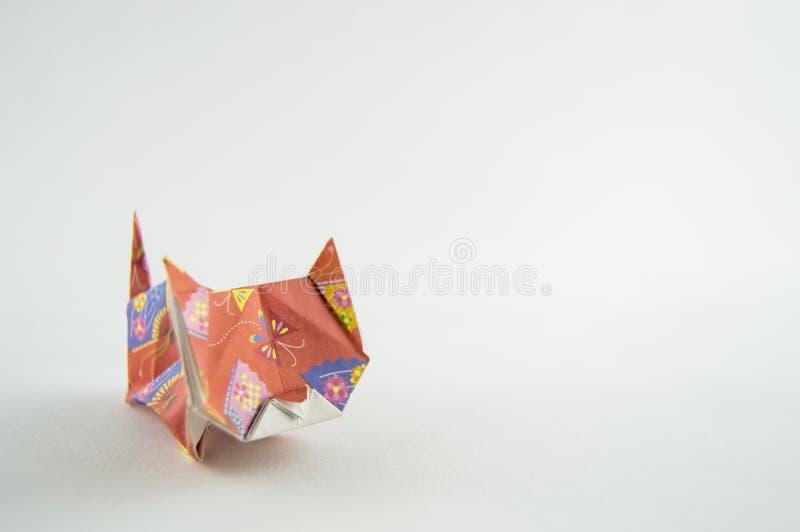 Кот Origami на белой предпосылке стоковое фото rf