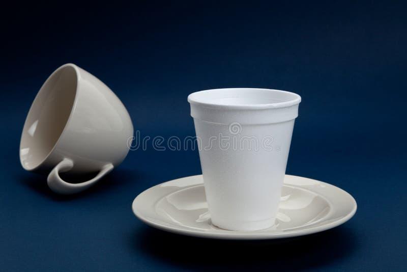 кофейная чашка устранимая стоковое изображение rf