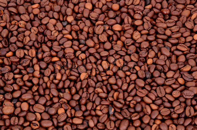Download Кофейные зерна на полном фоне Стоковое Фото - изображение насчитывающей beanie, closeup: 33736652