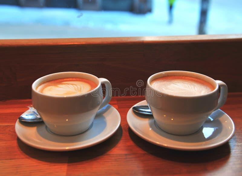 кофейные чашки 2 стоковое изображение