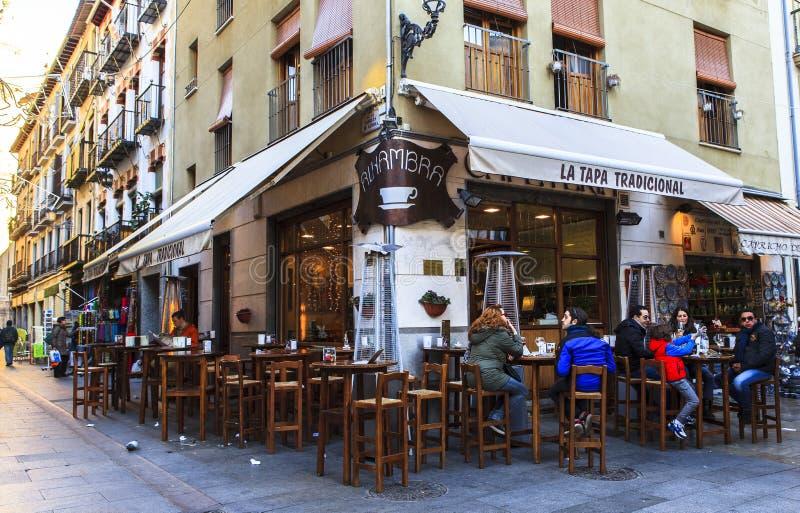 Кофейня в Гранаде, Испании стоковые фото