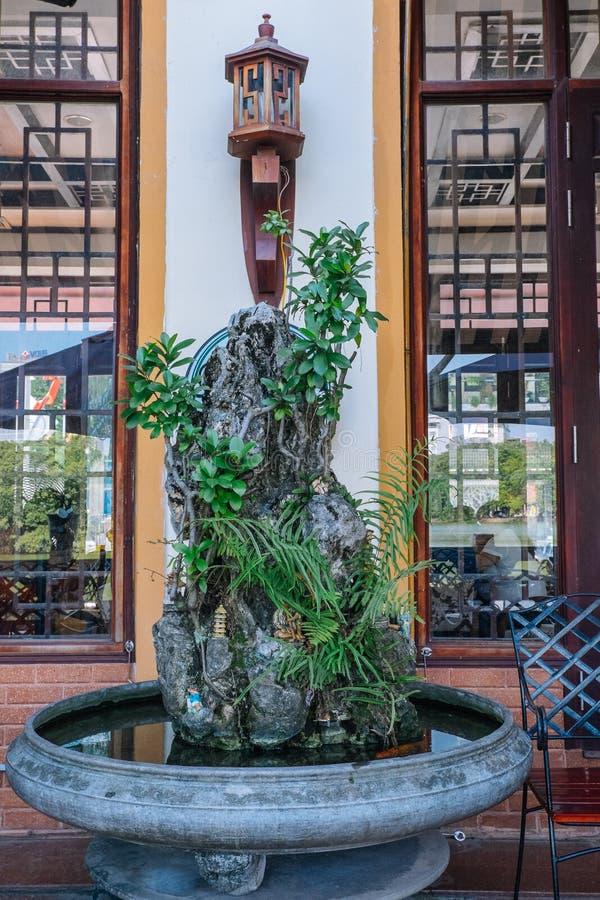 Кофейня около озера Hoan Kiem стоковое изображение rf