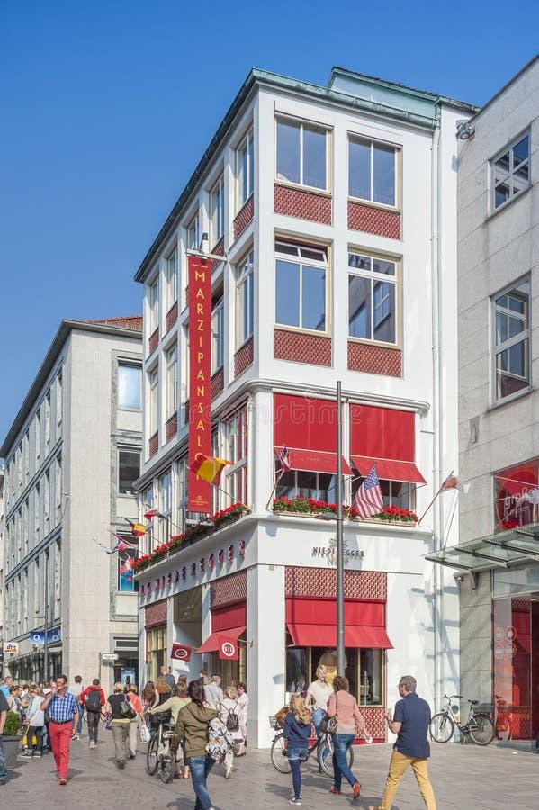 Кофейня Niederegger в Бек ¼ LÃ стоковые фотографии rf