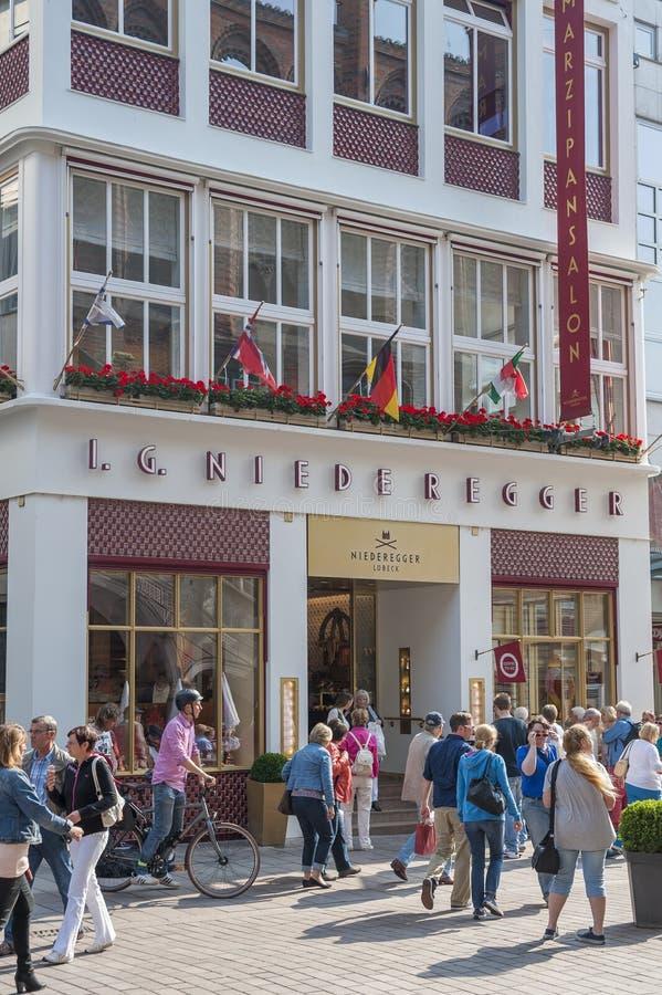 Кофейня Niederegger в Бек ¼ LÃ стоковое изображение