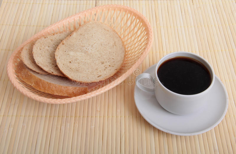 Кофе и блюда стоковая фотография