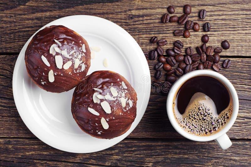 Download Кофе и пирожное стоковое изображение. изображение насчитывающей confection - 40576353