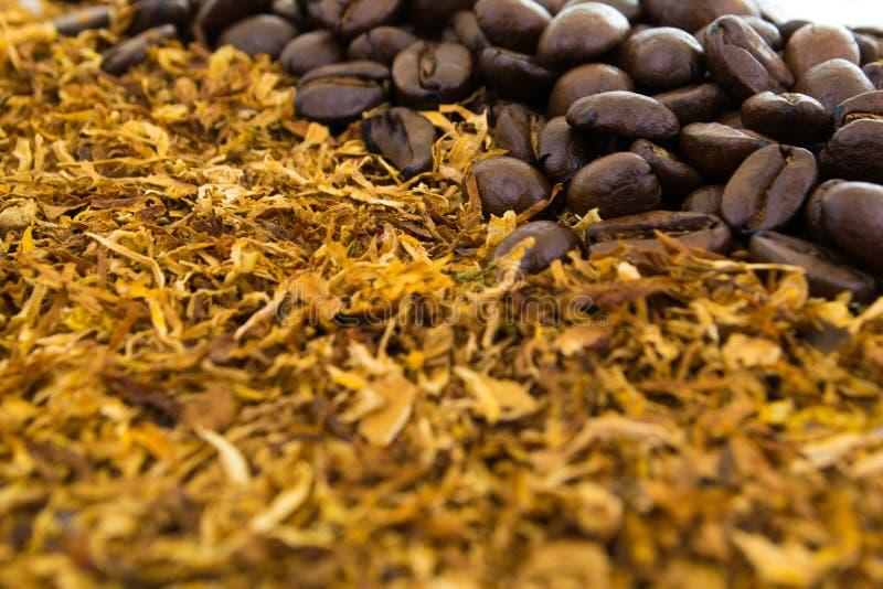Кофе и сигареты стоковое изображение