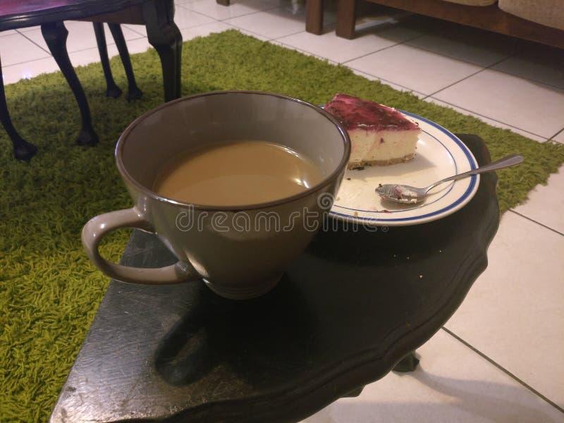 Кофе и торт стоковые изображения rf