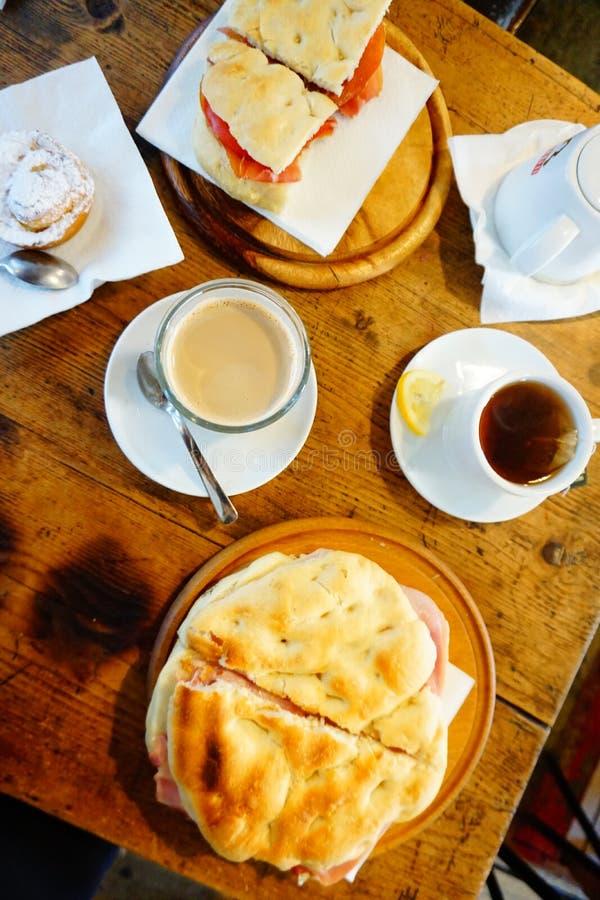 Кофе и panini кафа Италии Флоренса стоковое изображение rf