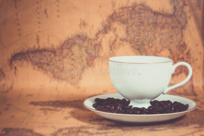 Кофе на карте стоковые изображения