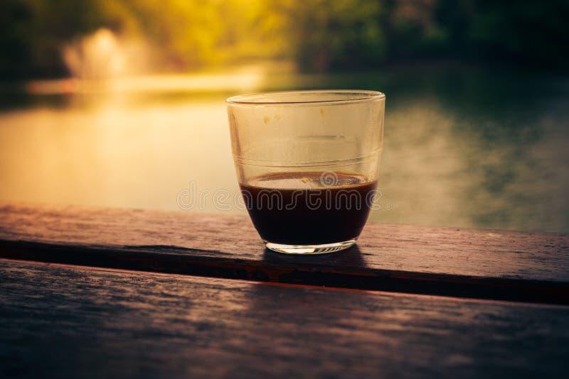 Download Кофе озером стоковое фото. изображение насчитывающей outdoors - 40577016