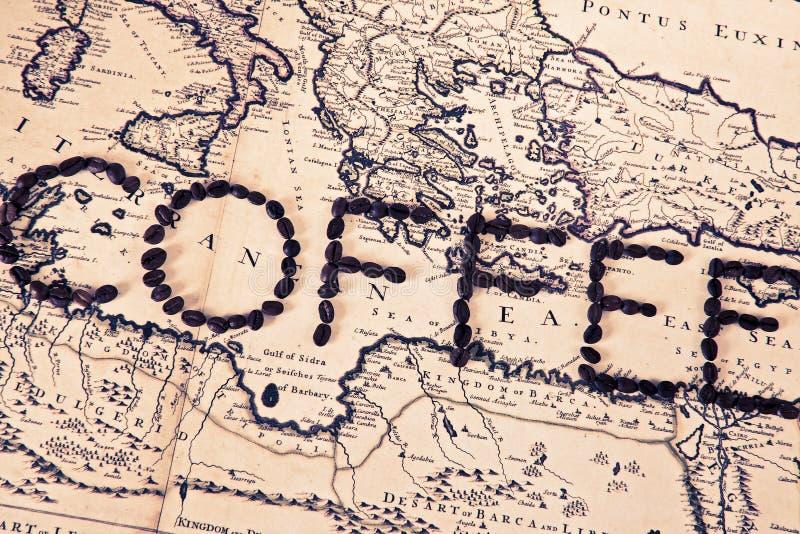 Кофе слова сделанный от кофейных зерен стоковое фото rf