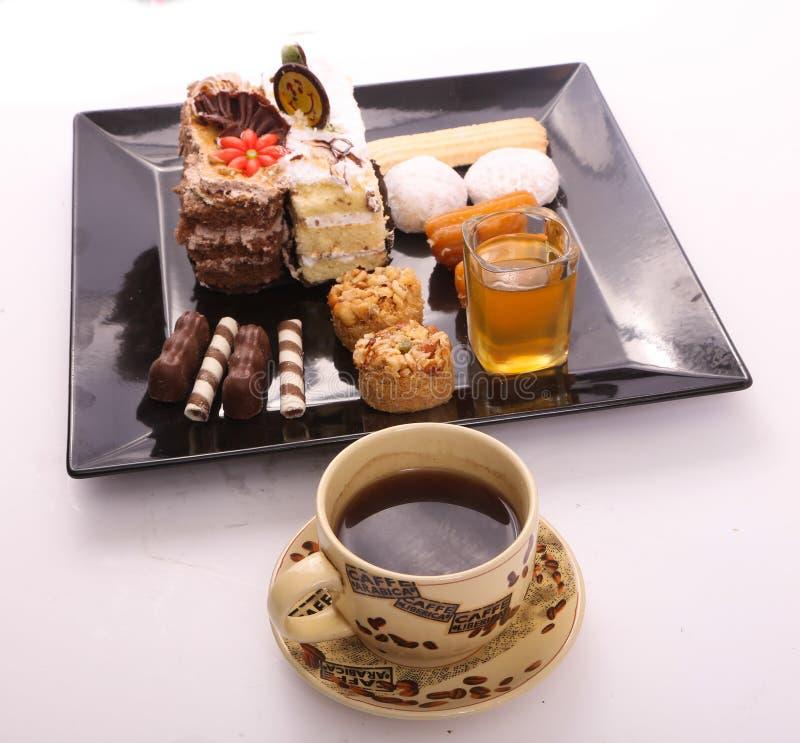 Кофе с восточным десертом стоковое изображение