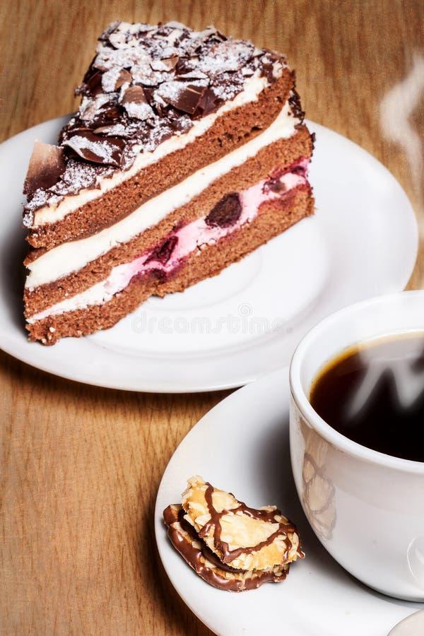 Кофе с тортом вишни черного леса стоковое изображение