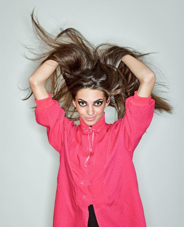 кофточки брюнет волос повелительницы детеныши длиной розовые стоковое фото rf