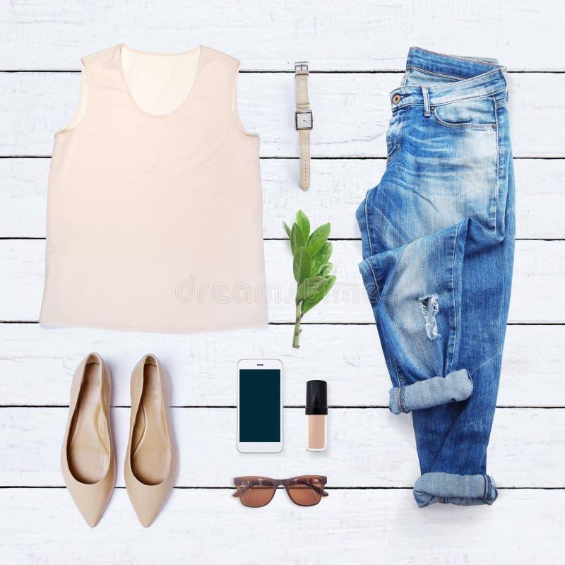 Коллаж собрания одежды женщин стоковые изображения rf