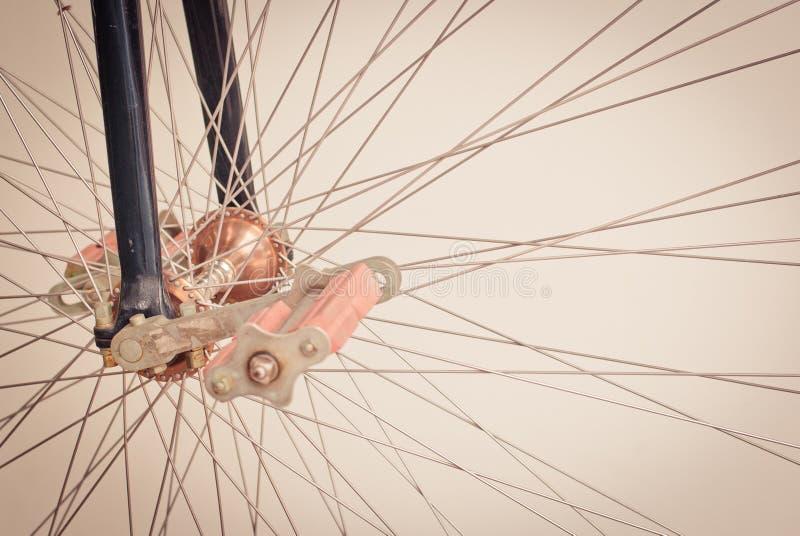 Download Колесо велосипеда стоковое фото. изображение насчитывающей утюг - 33735824