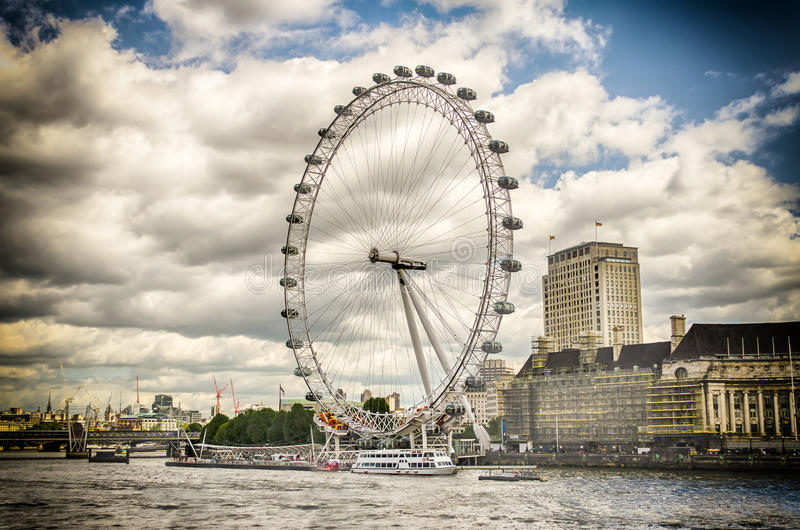 Колесо глаза Лондона панорамное стоковые изображения