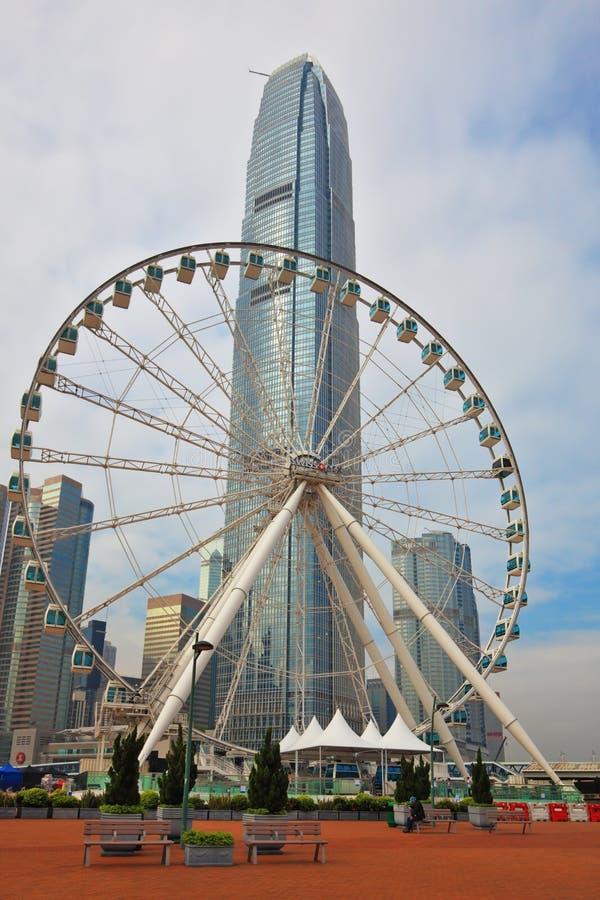 Колесо и небоскребы Ferris стоковое изображение rf