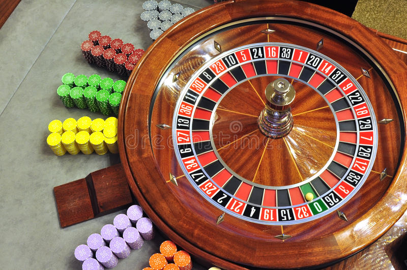Download Колесо рулетки стоковое изображение. изображение насчитывающей колесо - 37929445