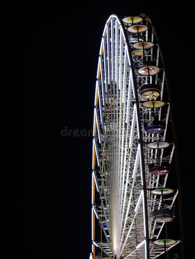 Колесо Ferris на ноче в Бордо стоковые фото