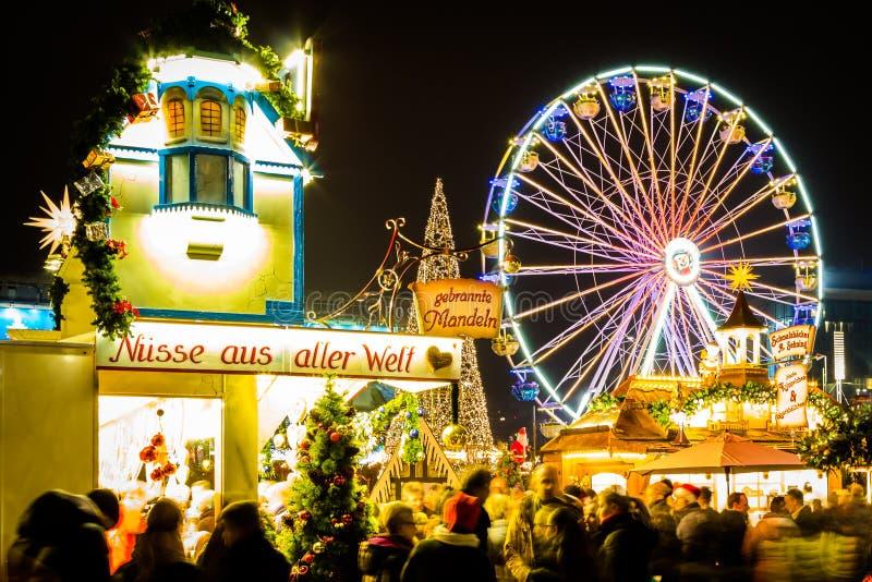 Колесо Ferris на рождественской ярмарке Лейпцига стоковая фотография rf