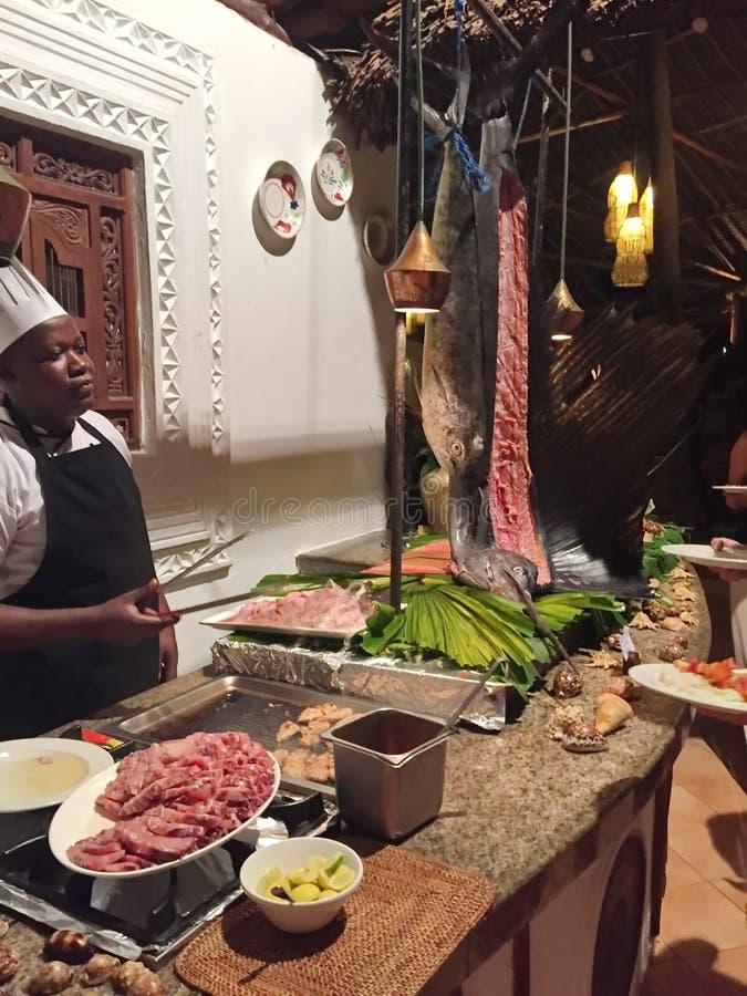 Количество рыб в ресторане Занзибара стоковые изображения