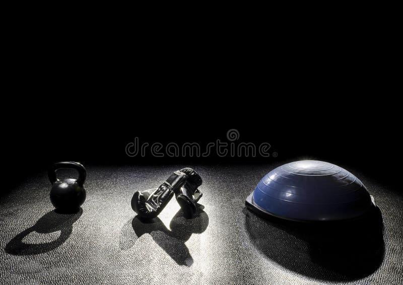 Колокол чайника перчаток бокса шарика баланса стоковая фотография rf