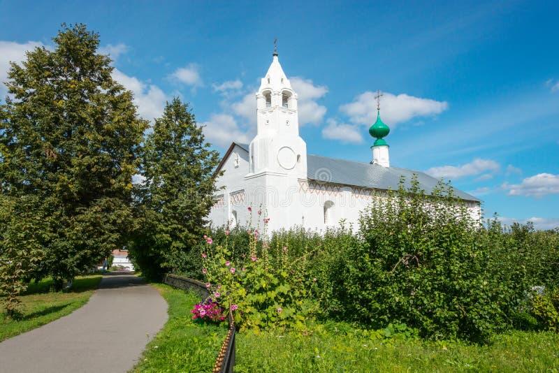 Колокольня в монастыре заступничества на Suzdal стоковые фото