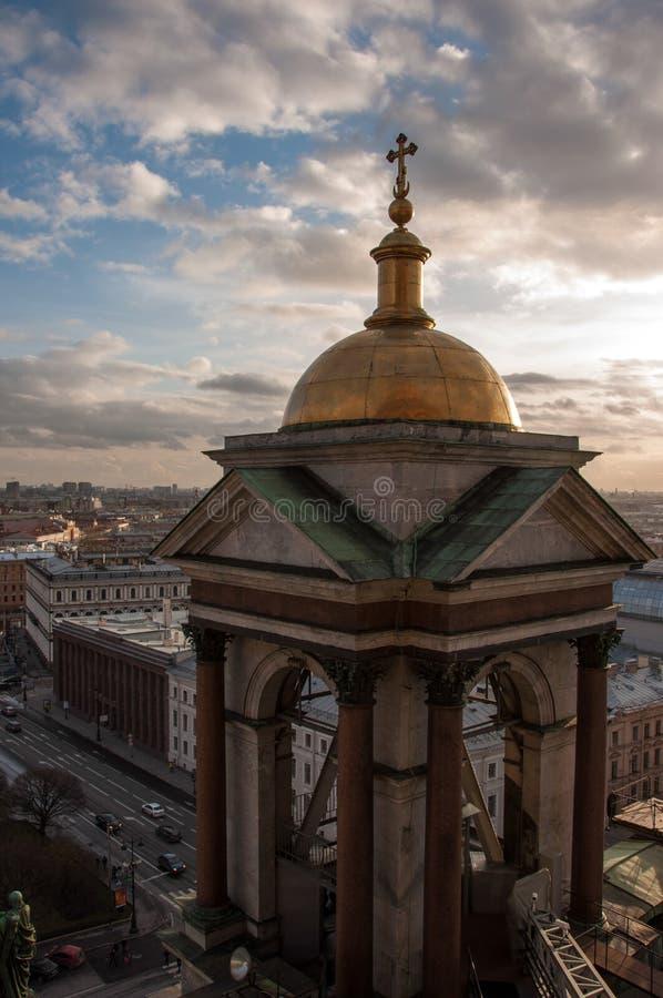 Колокольня собора ` s St Исаак, Санкт-Петербурга России стоковая фотография