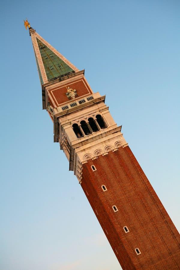 Колокольня di Сан Marco - колокольня на аркаде Сан Marco - центральная площадь в Венеции, Италии стоковые изображения