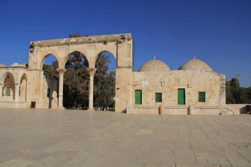 Колоннада вдоль квадрата на Temple Mount стоковые фото
