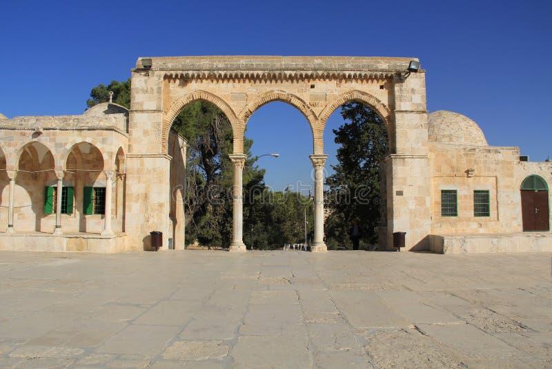 Колоннада вдоль квадрата на Temple Mount стоковое изображение rf