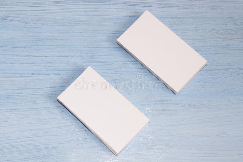 2 колоды карт на голубой предпосылке стоковое изображение rf
