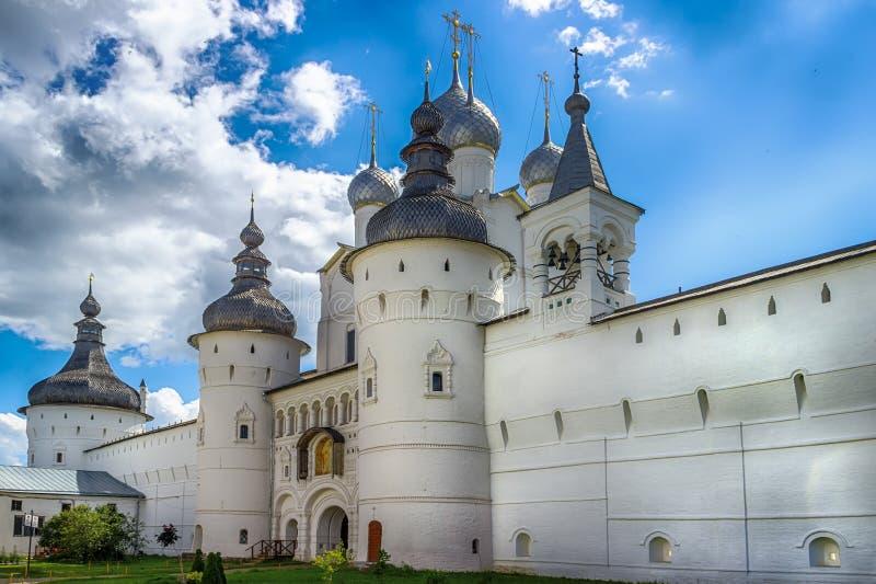 Кольцо золота Ростова Кремля Yaroslavl областное России стоковые фотографии rf